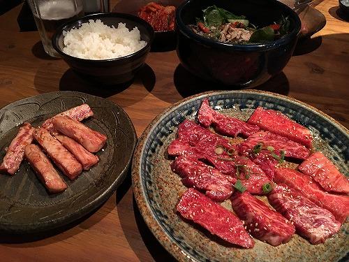 福山市春日町にある七輪焼肉のお店「饗(きょう)」で僕が食べるものを紹介してみる。