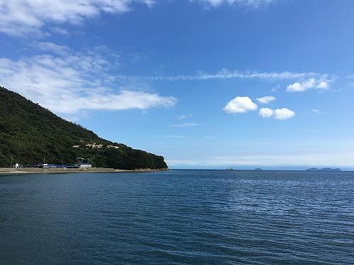 台風の影響なのか、潮の関係なのか、全く釣れないので瀬戸内の景色でごまかす。(7)