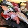 回転寿司すし丸の平日ランチセットはおすすめかも。コスパいいよね?